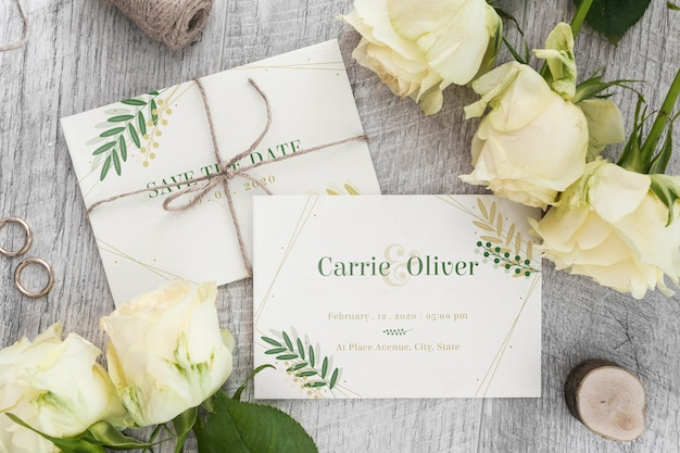 Invitation de mariage vue de dessus avec maquette
