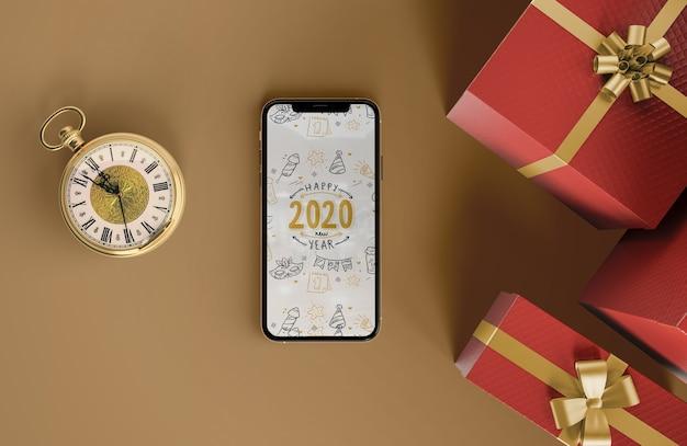 Iphone maquette avec des cadeaux