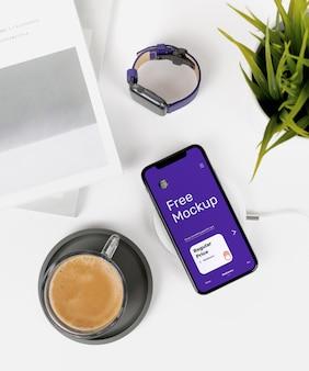 Iphone x sur maquette de bureau