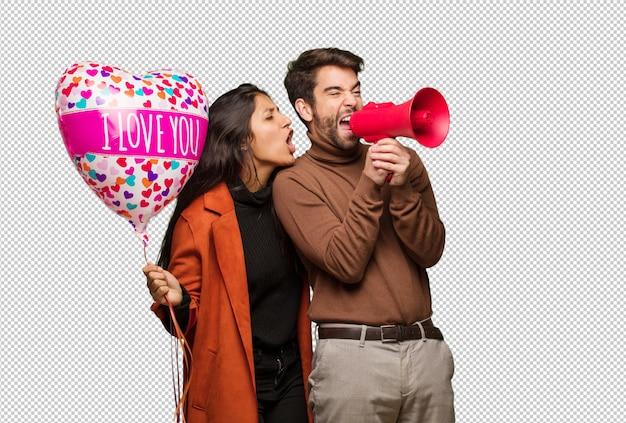 Jeune couple cool célébrant la saint valentin