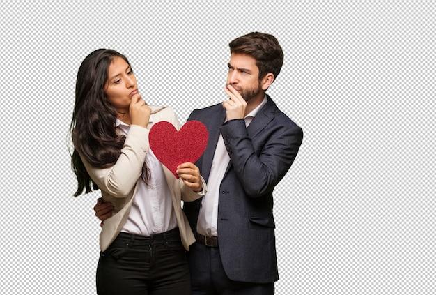 Jeune couple, saint valentin, penser, a, idée