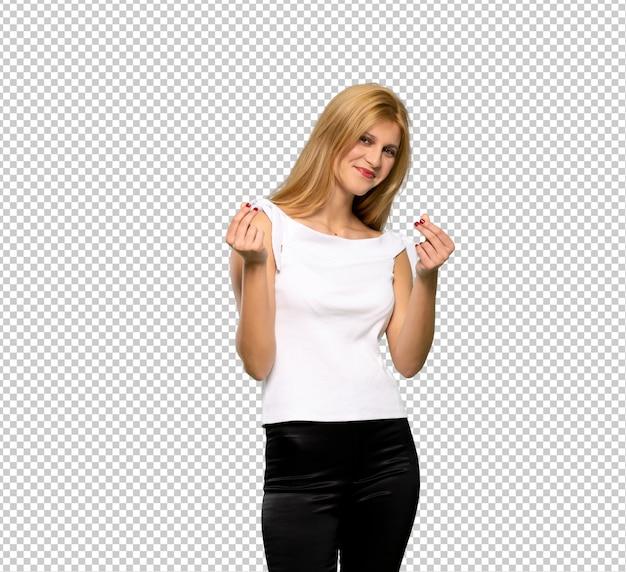 Jeune femme blonde en conversation avec le téléphone portable