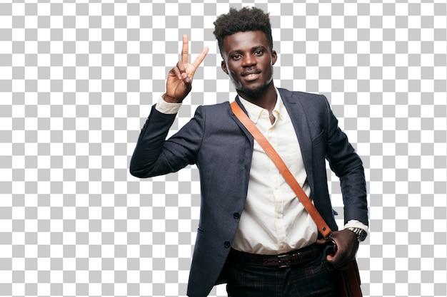 Jeune homme d'affaires noir souriant et regardant satisfait et heureux, comptant le numéro deux avec les doigts.