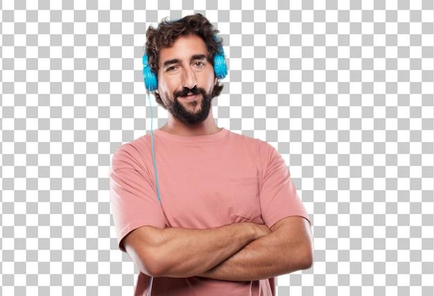 Jeune homme barbu avec un regard fier, satisfait et heureux sur le visage, souriant avec les bras croisés
