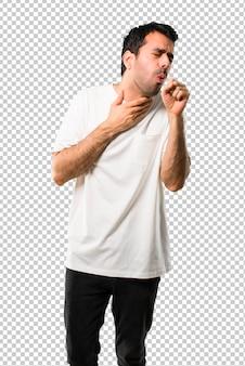 Jeune homme avec une chemise blanche souffre de toux et se sent mal