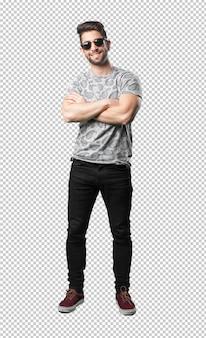 Jeune homme, croisement bras