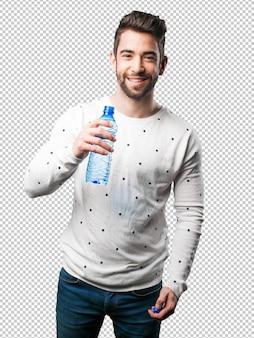Jeune homme, eau potable