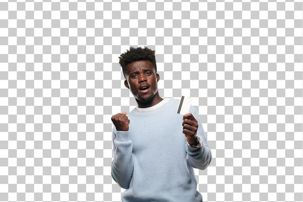 Jeune homme noir avec une carte de crédit. concept d'argent