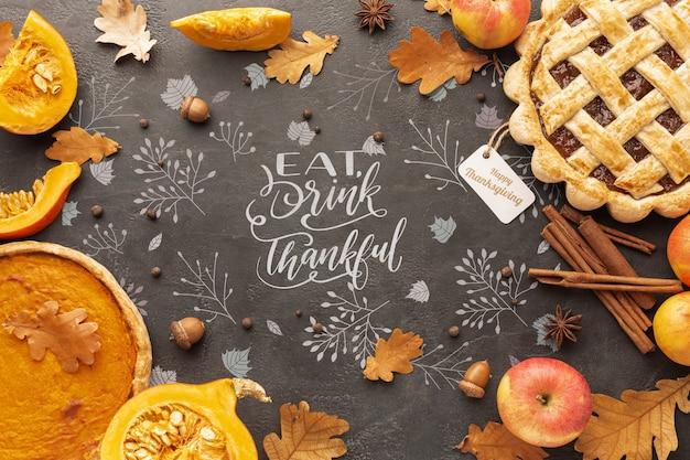 Jour de thanksgiving avec de délicieuses tartes