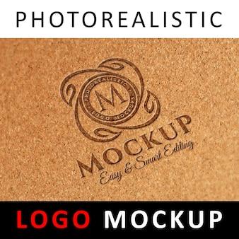Logo mock up - logo de découpe laser sur du matériel en liège