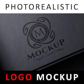 Logo mock up - logo pressé sur papier noir