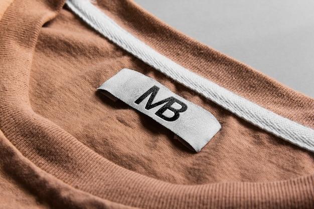 Logo mockup t-shirt étiquette tag mockup psd.