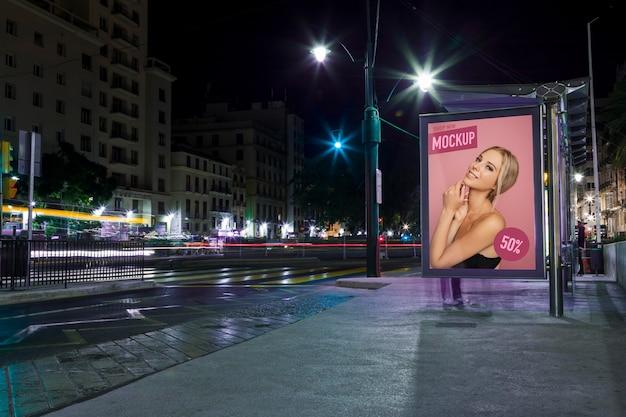Lumières De La Ville Urbaine Avec Maquette De Signe Psd gratuit
