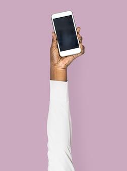 Main tenant le smartphone