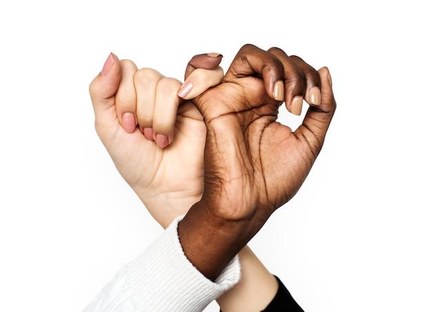 Mains ensemble isolées