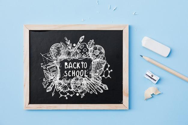 Maquette d'ardoise avec le concept de retour à l'école