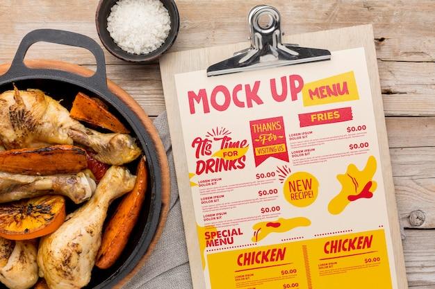 Maquette d'arrangement de repas de poulet