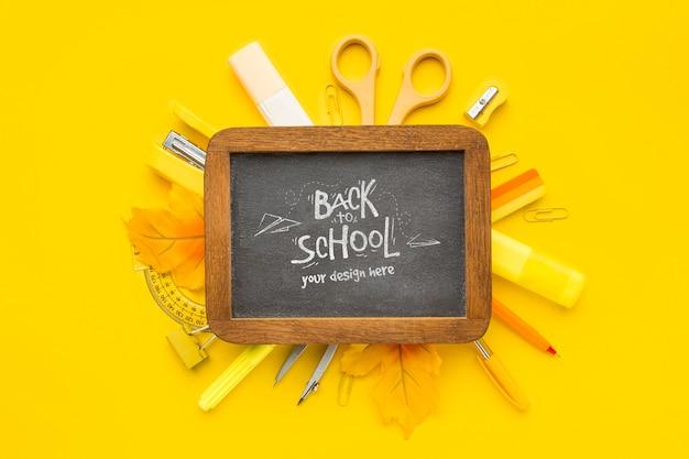 Maquette d'assortiment d'éléments de retour à l'école