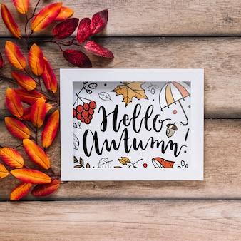 Maquette d'automne avec cadre