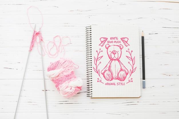 Maquette de bloc-notes avec concept de couture
