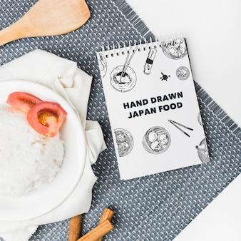Maquette bloc-notes en spirale avec maquette de nourriture japonaise