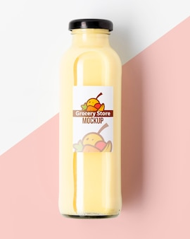Maquette de boisson smoothie aux fruits bio
