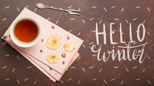Maquette de boissons chaudes au thé en hiver
