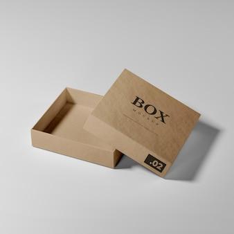 Maquette de boîte en carton ouverte réaliste