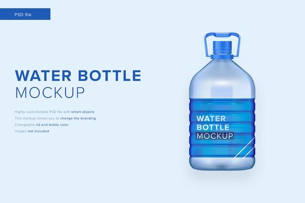 Maquette de bouteille d'eau dans un style design moderne