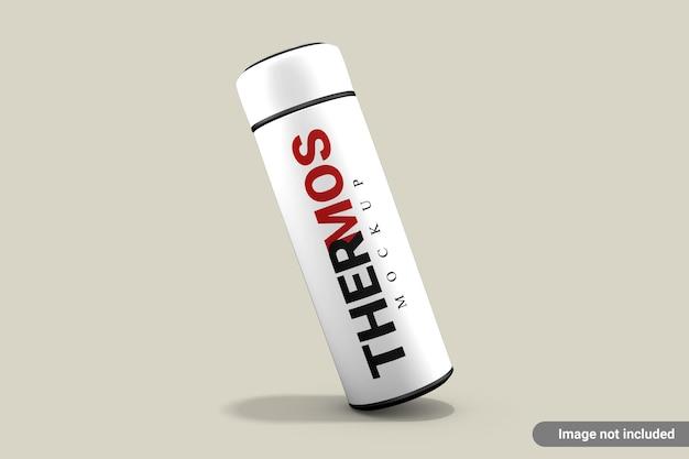 Maquette de bouteille d'eau thermos isolée