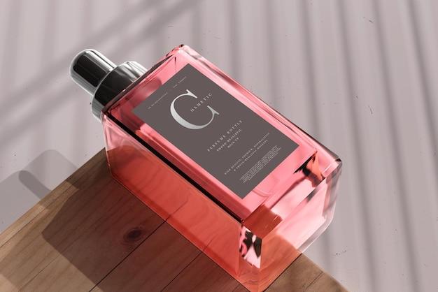 Maquette de bouteille de parfum carrée