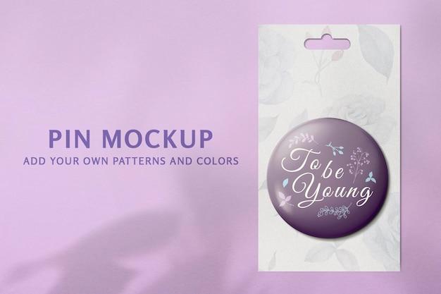 Maquette de broche de mode psd, design mignon violet