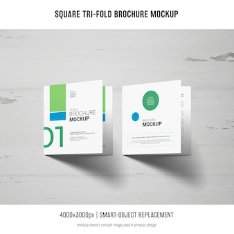 Maquette de brochure carrée à trois volets