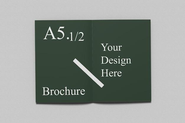 Maquette de brochure à deux volets a6