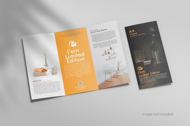 Maquette de brochure ouverte à trois volets