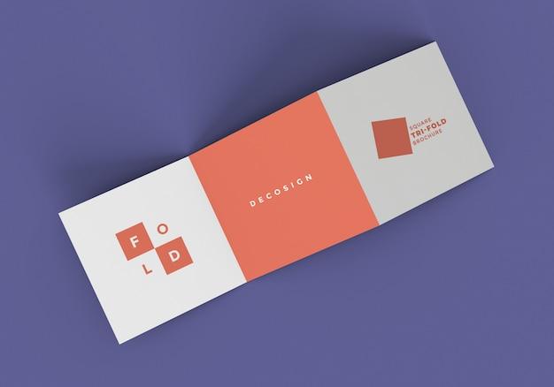 Maquette de brochure en pli carré z