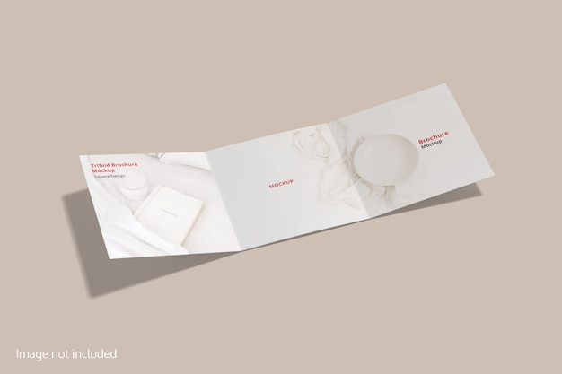 Maquette de brochure à trois volets carrée