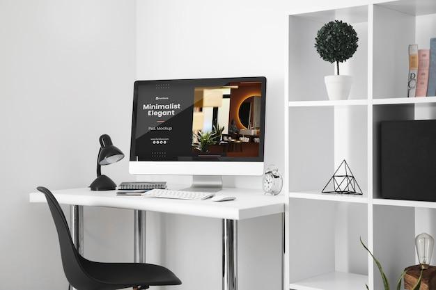Maquette de bureau avec ordinateur