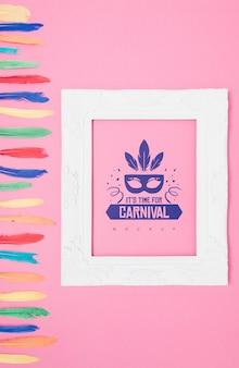 Maquette de cadre avec le concept de carnaval