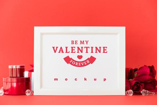 Maquette de cadre avec le concept de la saint-valentin