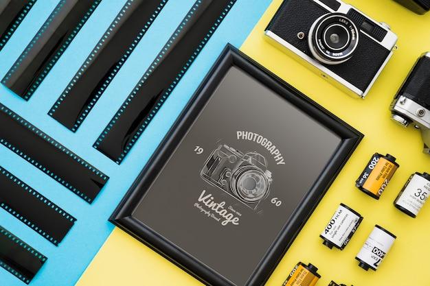 Maquette de cadre noir avec le concept de la photographie