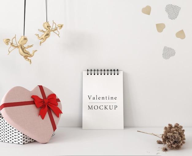 Maquette de cahier à spirale avec le concept de la saint-valentin