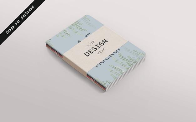 Maquette de carnet empilée avec du carton