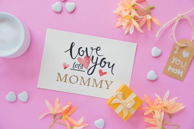 Maquette de carte avec composition pour la fête des mères laïques