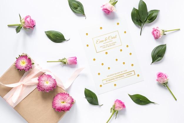Maquette de carte avec concept de mariage