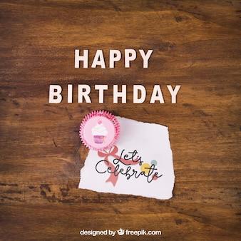 Maquette de carte avec le design d'anniversaire