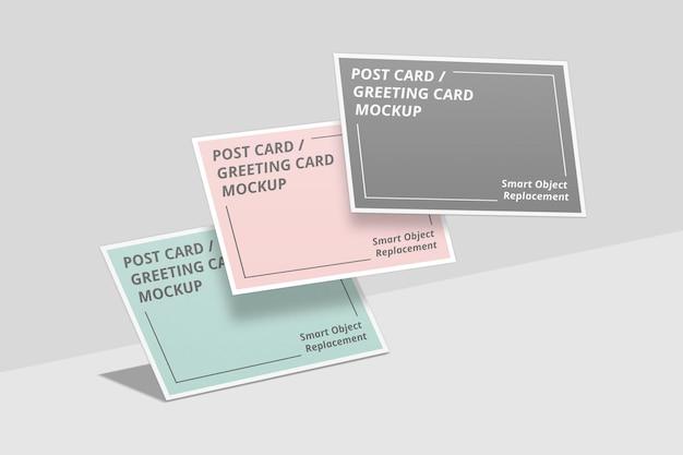 Maquette de carte postale flottante ou carte d'invitation