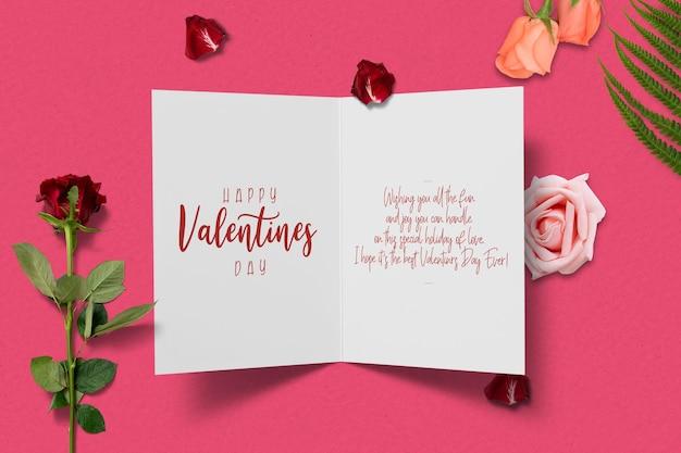 Maquette de carte saint valentin avec composition décorative