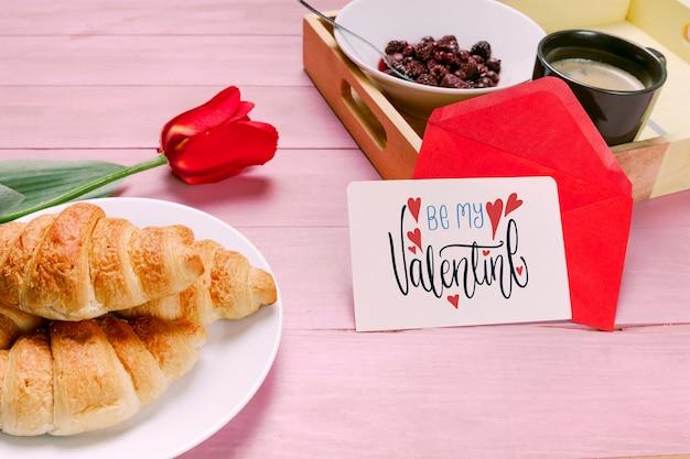 Maquette carte saint valentin avec petit-déjeuner