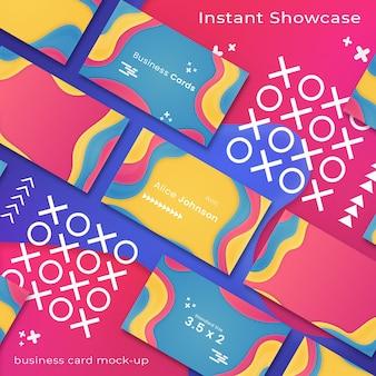 Maquette de carte de visite abstraite et colorée sur fond coloré